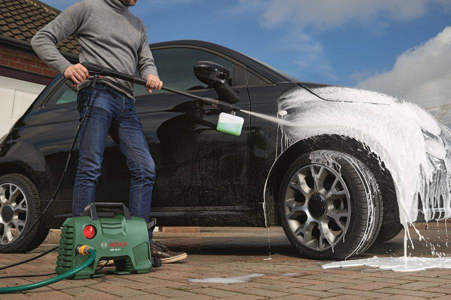 Myjką ciśnieniową umyjesz nie tylko samochód