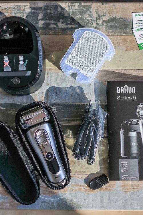 Zawartość opakowania Braun Seria 9 / fot. AGDmaniaK.pl