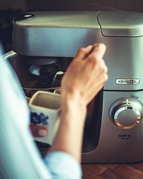fot.: pracujący robot kuchenny (przepisytradycyjne.pl)