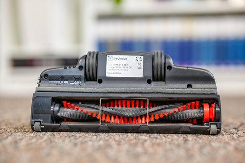Duża elektroszczotka w Electrolux Pure Q9 / fot. agdManiaK.pl