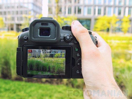 Panasonic FZ2000/fot. fotoManiaK.pl