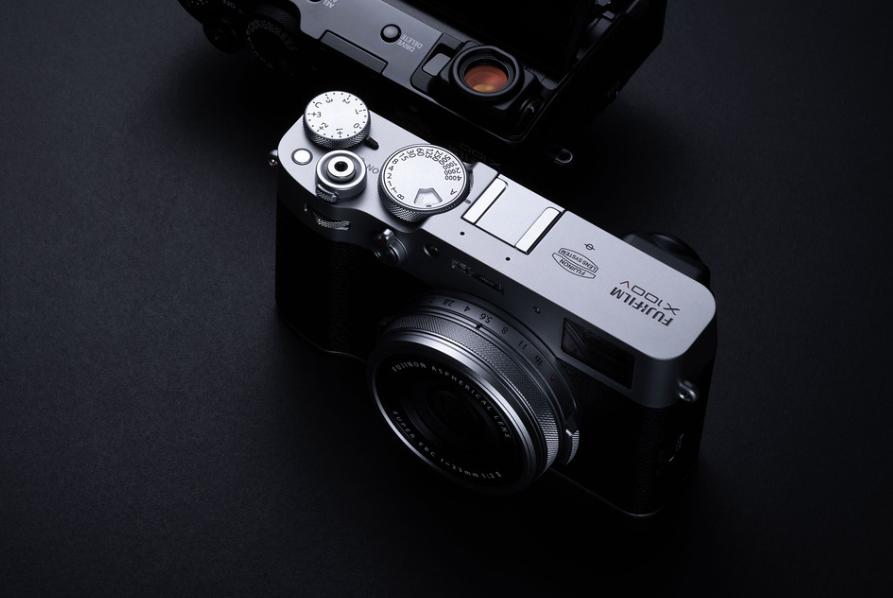 FUJIFILM X100 V