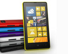 4.3-calowy ekran 8-megapikselowy aparat ClearBlack AMOLED plastikowa obudowa solidna Windows Phone 8