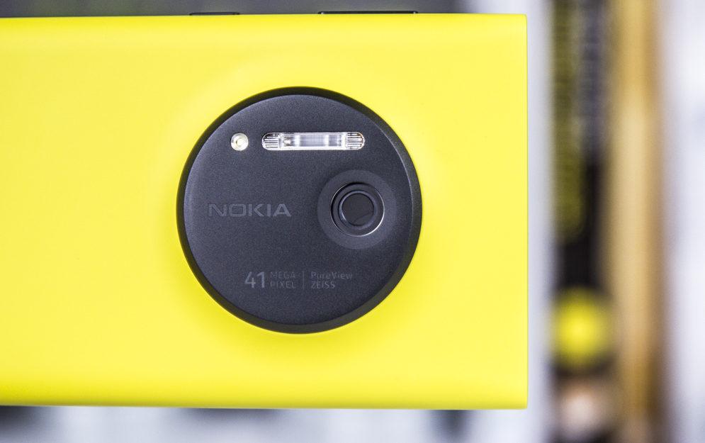 Lumia 1020 - takich fotosmartfonów już nie ma / fot. gsmManiaK.pl
