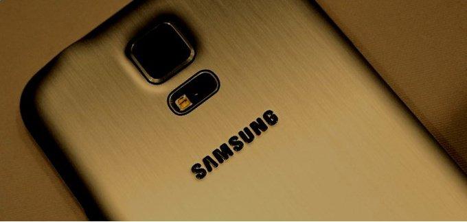 Samsung Galaxy S5 Prime / fot. reddit