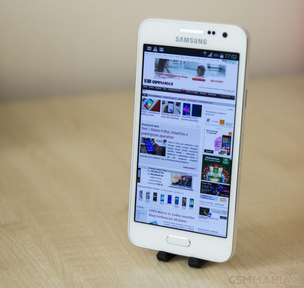 Samsung Galaxy A3 / fot. gsmManiaK.pl
