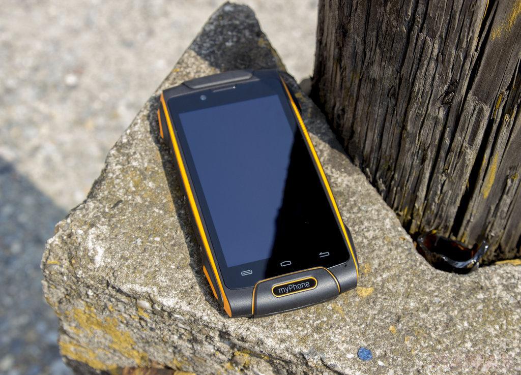 myPhone Hammer Axe 4G / fot. gsmManiaK.pl