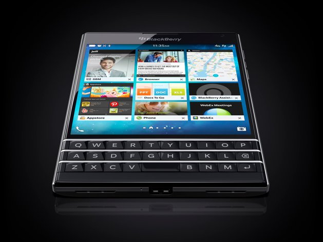 Blackberry Passport / fot. producenta