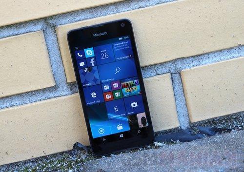 Takimi smartfonami jak Lumia 650 Microsoft niczego nie zdziała / fot.gsmManiaK.pl