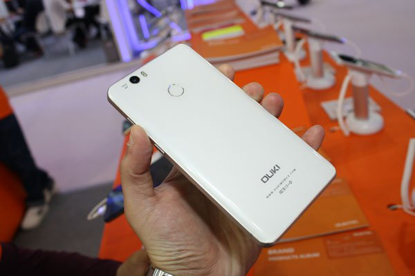 Oukitel K6000 Premium / fot. notebookitalia