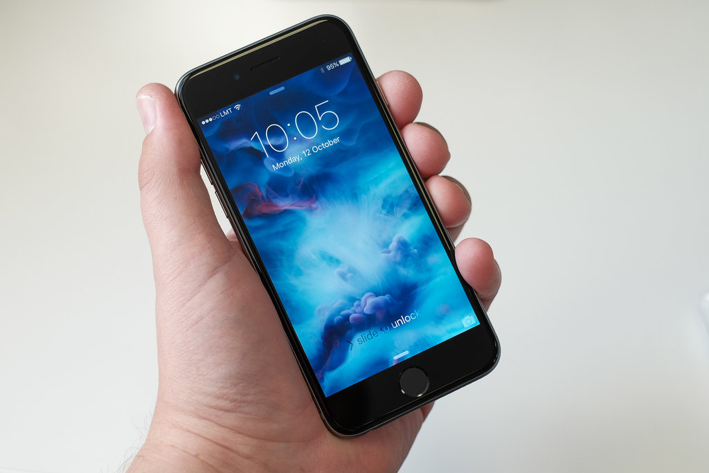iPhone 6S / fot. Kārlis Dambrāns, Flickr.com