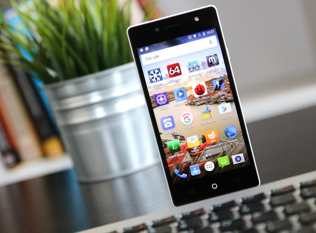 myPhone Infinity IIS / fot.gsmManiaK.pl