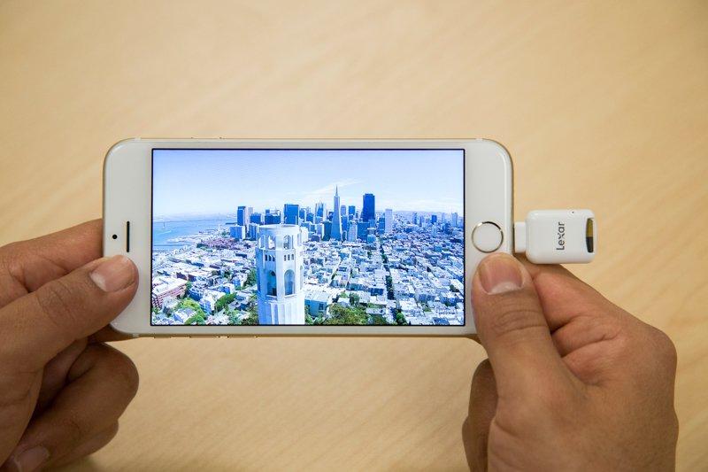 Czytnik kart microSD do urządzeń Apple