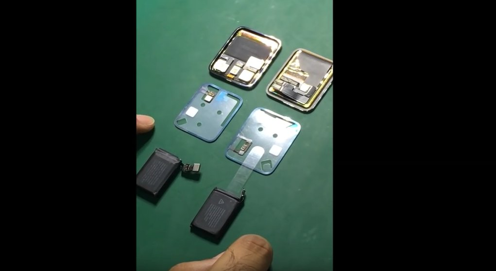 Podzespoły Apple Watch 2 po lewo, Apple Watch po prawo / fot. Bytesuperstore