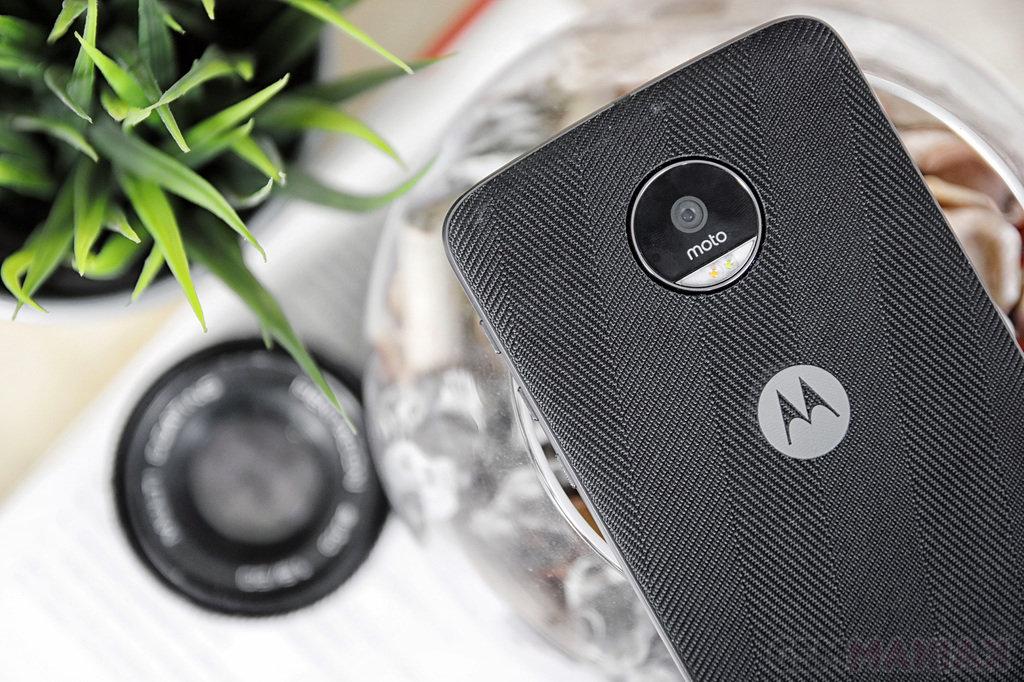 Lenovo Moto Z i Moto Mods / fot. gsmManiaK.pl