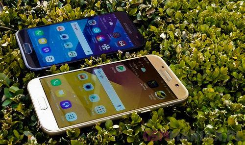 Samsung Galaxy A3 (2017) vs Samsung Galaxy A5 (2017) / fot. gsmManiaK