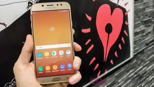 Galaxy J7 ma naprawdę dobry ekran sAMOLED / Fot. gsmManiaK