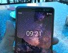Nokia 7+ na zdjęciu. Ma ekran 18:9, podwójny aparat i należy do Android One
