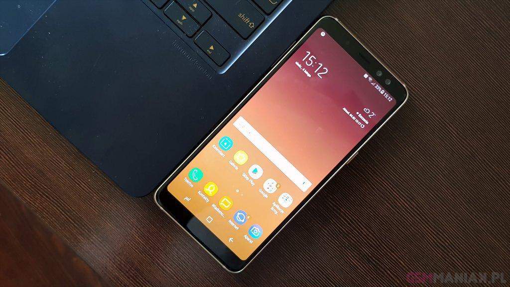 Galaxy A8 - fajny średniak, ale za drogi / Fot. gsmManiaK