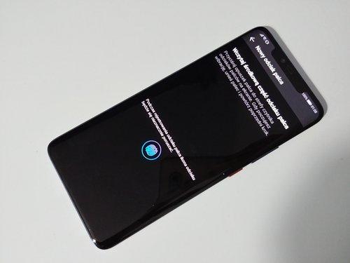 Huawei Mate 20 Pro z optycznym czytnikiem odcisków / fot. gsmManiaK.pl