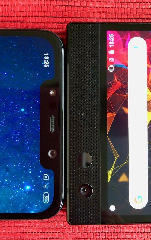 Razer Phone 2 vs Xiaomi POCOPHONE F1/fot. gsmManiaK.pl