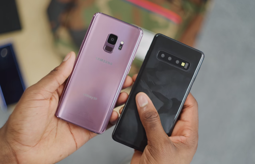 Galaxy S9 i S10 / fot. Marques Brownlee