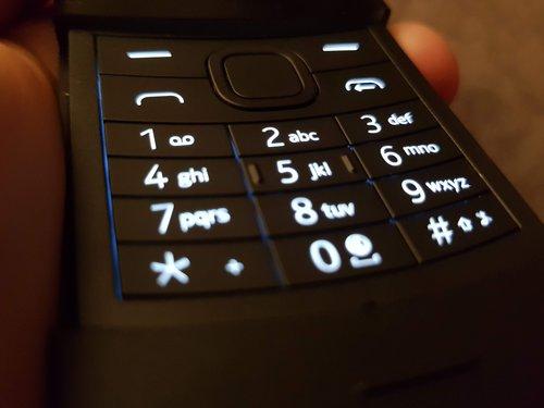 Nokia 8110 4G: podświetlenie klawiatury / fot. Techmaniak