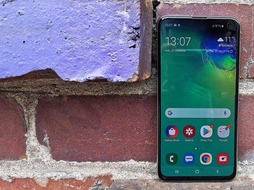 Samsung Galaxy S10e / fot. gsmManiaK.pl