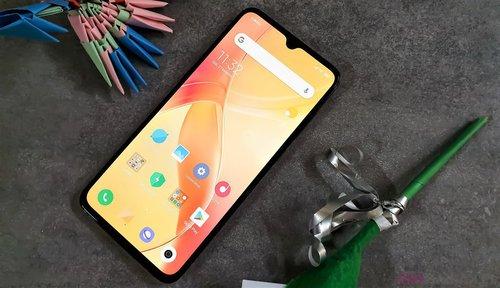 Xiaomi Mi 9 / fot. gsmManiaK.pl