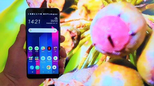 HTC U11+ / fot. gsmManiaK.pl