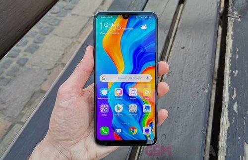 Huawei P30 Lite / fot. gsmManiaK.pl