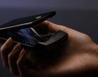 Motorola Razr na zdjęciach. Niezwykły smartfon ze składanym ekranem!