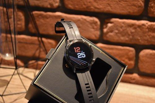 Huawei Watch GT2: elegancki zegarek, eleganckie opakowanie / fot. techManiaK