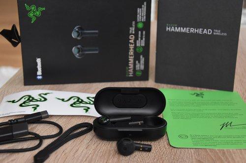 Razer Hammerhead True Wireless: cały zestaw / fot. techManiaK