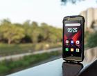 Kompaktowy odporny smartfon? Tak, w 2019 roku nadal możesz kupić taki sprzęt za śmieszne pieniądze