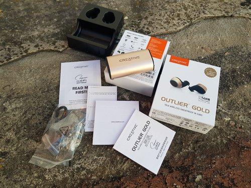 Creative Outlier Gold: całość wyposażenia / fot. techManiaK