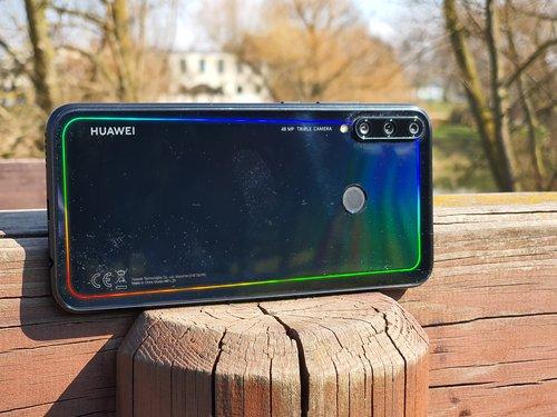 Huawei P40 Lite E / fot gsmManiaK.pl