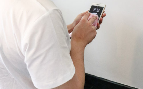 Dezynfekowanie smartfona 4
