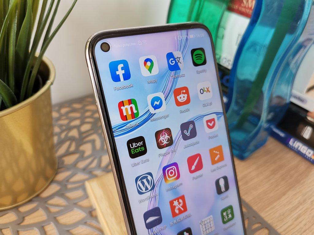 Huawei P40 Lite/fot. gsmManiaK.pl
