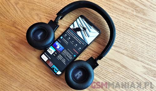 Xiaomi Mi 10 Pro i słuchawki JBL / fot. gsmManiaK