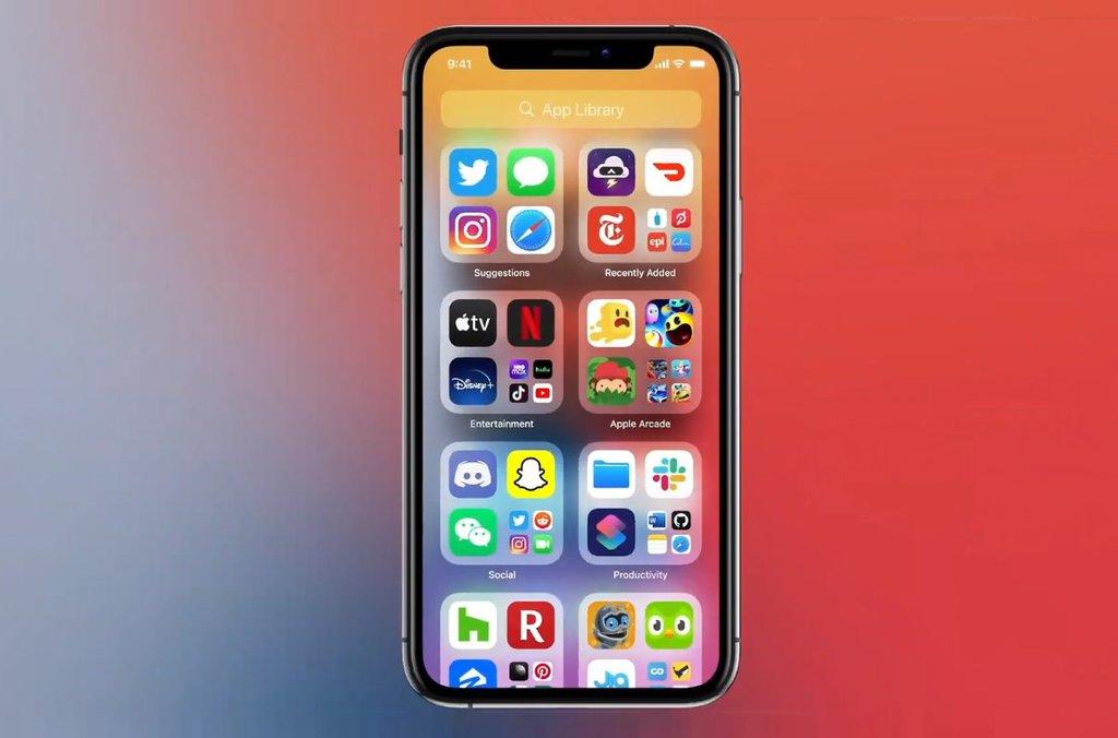 App Library w iOS 14, czyli szuflada z aplikacjami na iPhone'a/fot. PhoneArena