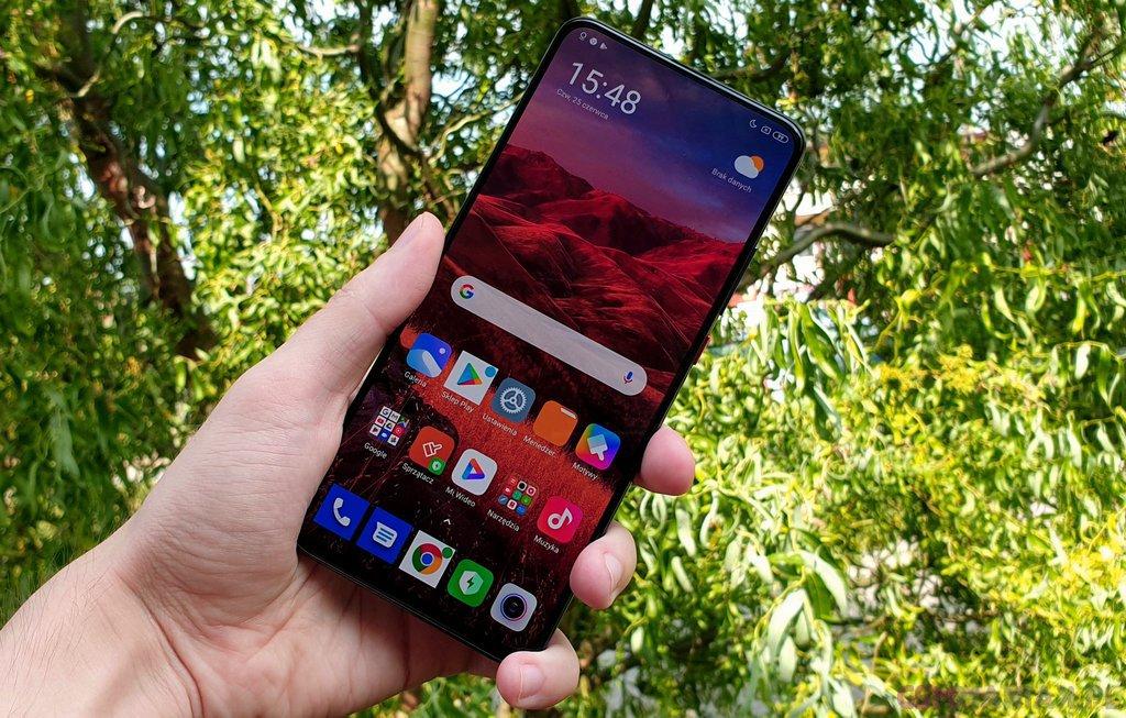 Xiaomi POCO F2 Pro / fot. gsmManiaK.pl