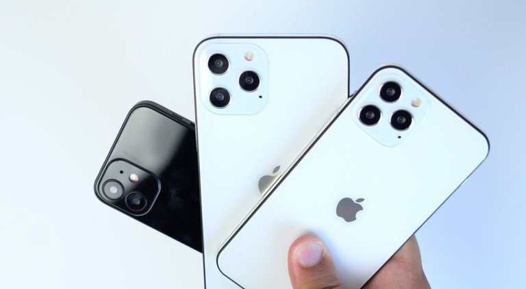 iPhone 12/fot. PhoneArena
