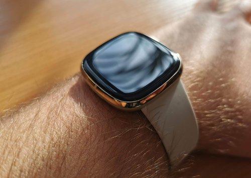 Fitbit Sense - małe dzieło sztuki / fot. techManiaK