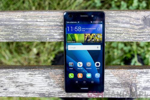 Huawei P8 Lite / fot. gsmManiaK.pl