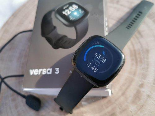 Fitbit Versa 3 / fot. techManiaK