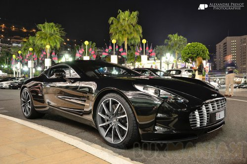 Aston Martin One-77 /fot. Wikipedia
