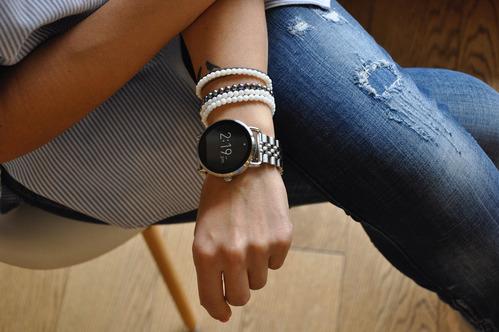 fot. FOSSIL, smartwatch Q Wander