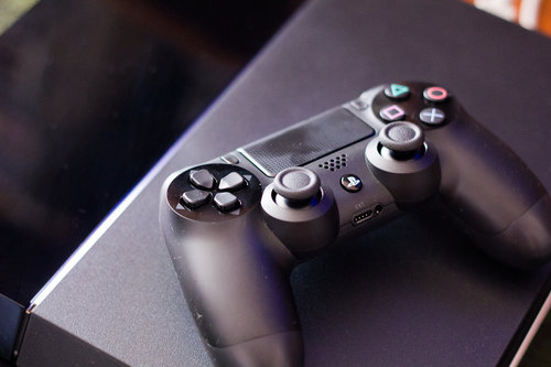 Sony PlayStation 4 / fot. Farley Santos, Flickr.com