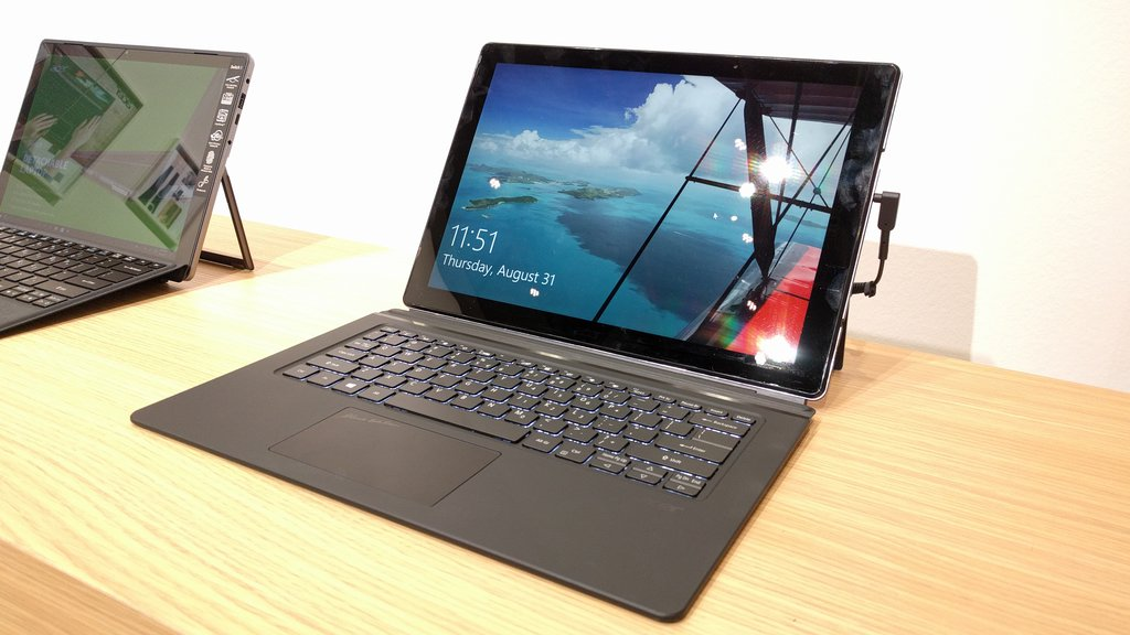 Acer Switch 7 Black Edition/ fot. mobiManiaK